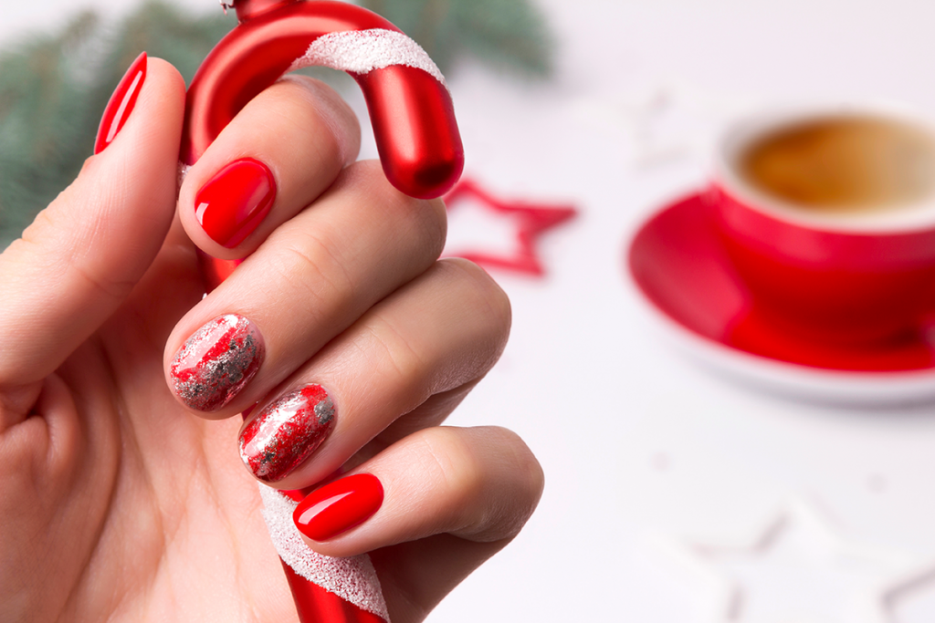 Red christmas nail ideas